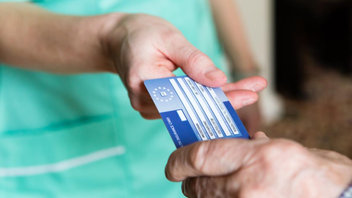 Esta tarjeta es válida para recibir atención médica en muchos países europeos