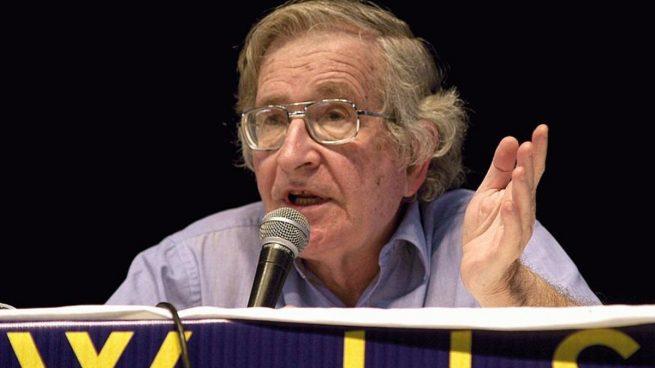 Frases de Noam Chomsky en el día de su nacimiento