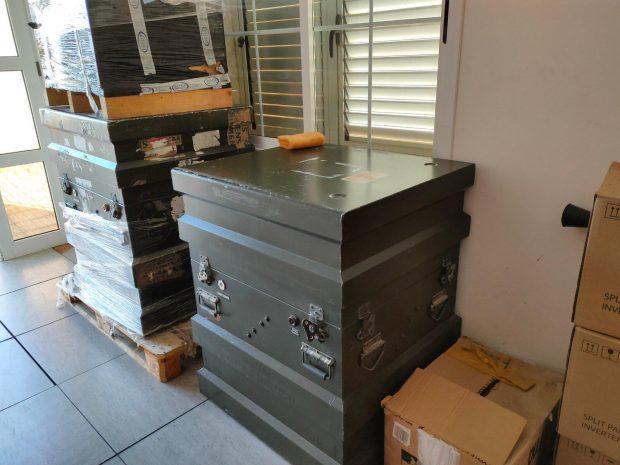 Radar SIVE, actualmente inoperativo, ubicado en un almacén de Lanzarote.