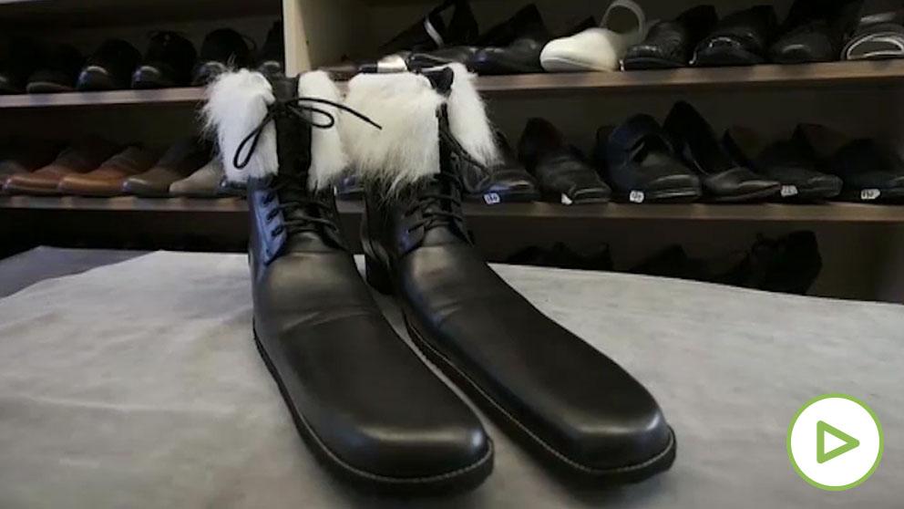 Diseña unas botas de la talla 75 para garantizar la distancia de seguridad