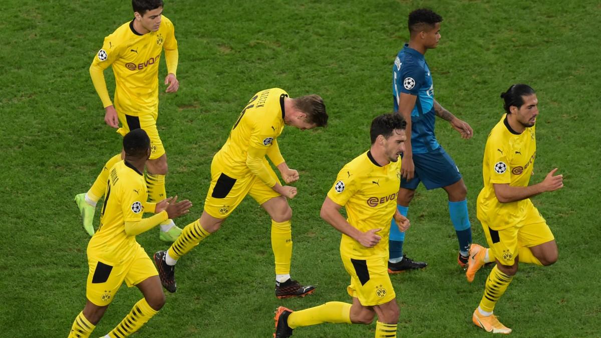 Los jugadores del Borussia Dortmund celebran un tanto ante el Zenit. (AFP)