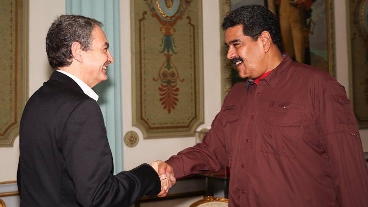 El ex presidente del Gobierno José Luis Rodríguez Zapatero y el dictador Nicolás Maduro. Foto: EP