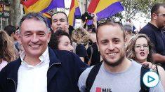 El líder del PCE, Enrique Santiago, junto a su homólogo de Juventes Comunistas, Guillermo Úcar. (Foto: PCE)