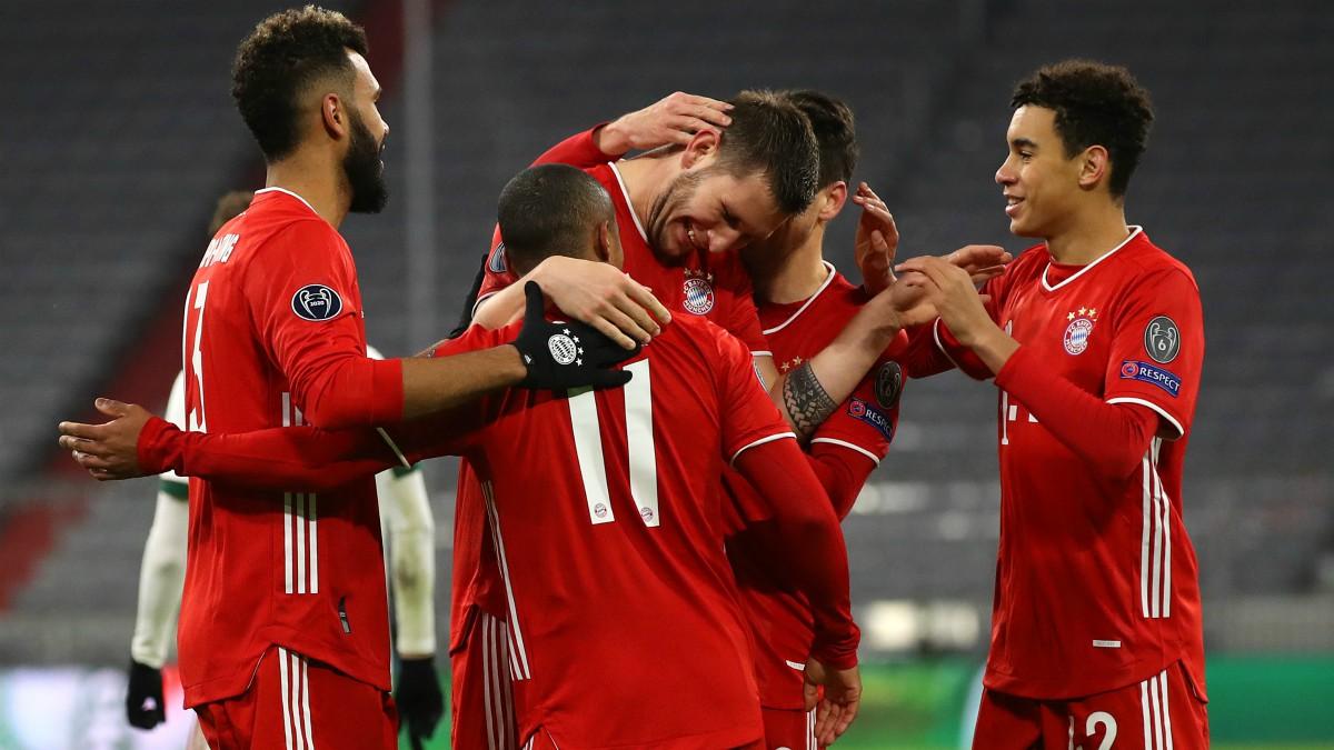 Los jugadores del Bayern celebran un gol ante el Lokomotiv. ((Getty)