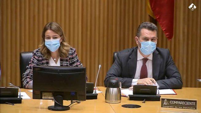 La vicepresidenta de la CNMV, Montserrat Martínez, y el presidente Rodrigo Buenaventura