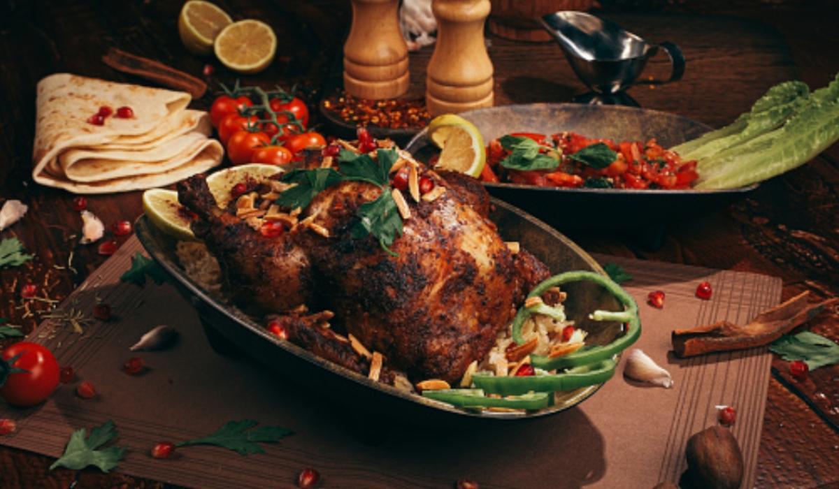 Pollo relleno de carne y ciruelas