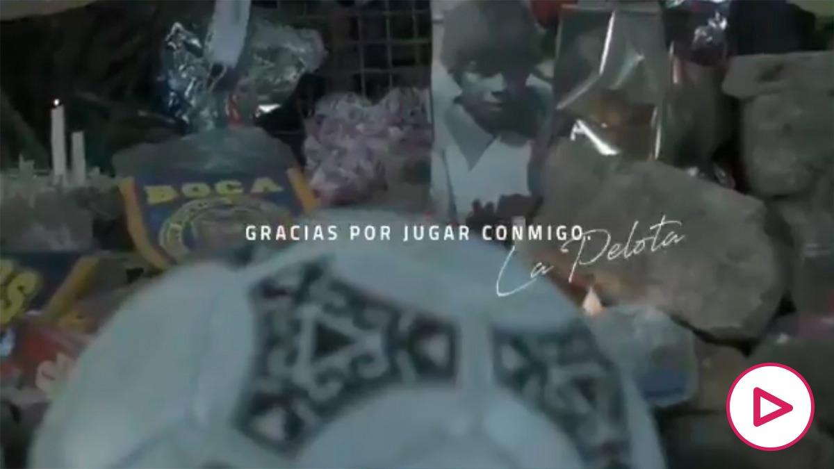 El emotivo anuncio de despedida a Maradona.