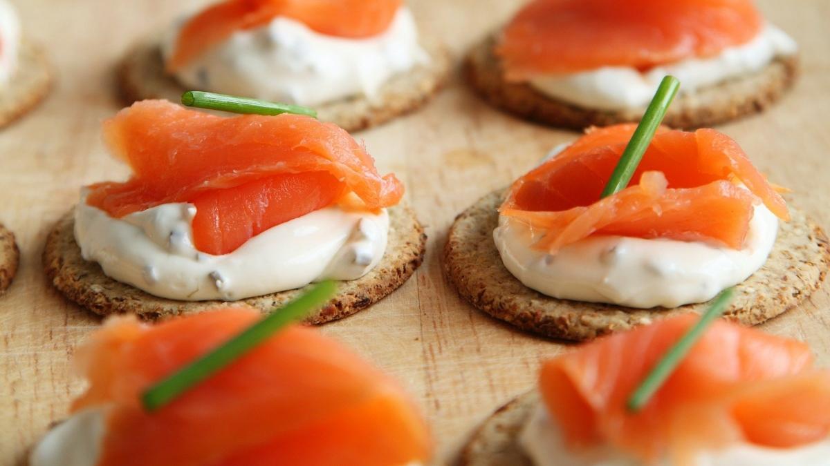 Pasos para hacer salmón ahumado en casa y que te quede jugoso