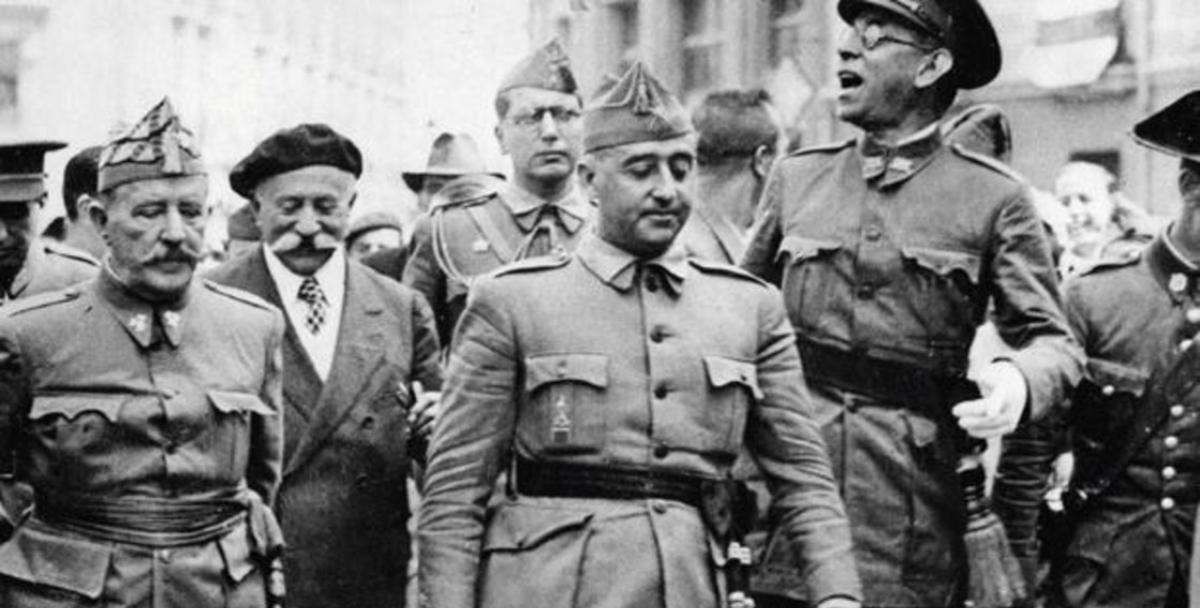 Asociación Memorialista exige la retirada de la estatua de Franco de Melilla.
