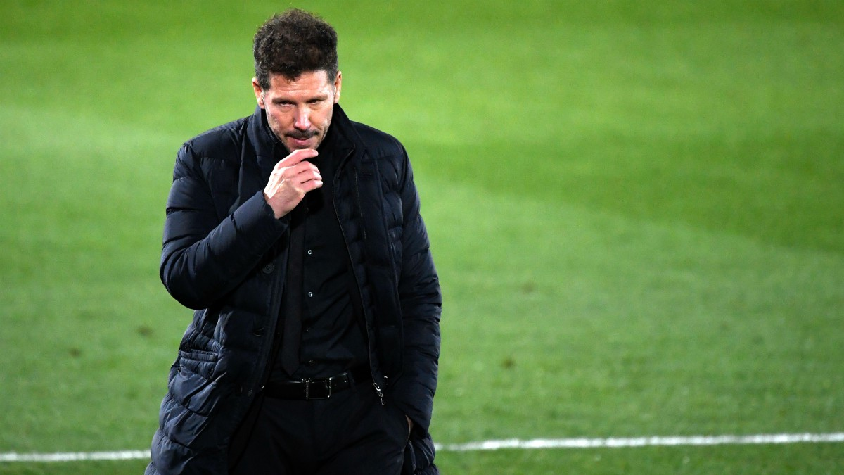 Simeone durante un partido del Atlético de Madrid. (AFP)