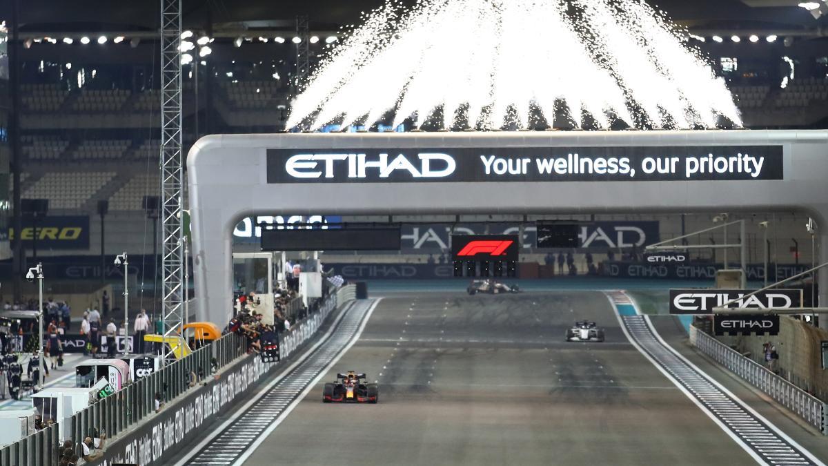 Max Verstappen gana el Gran Premio de Abu Dabi. (AFP)