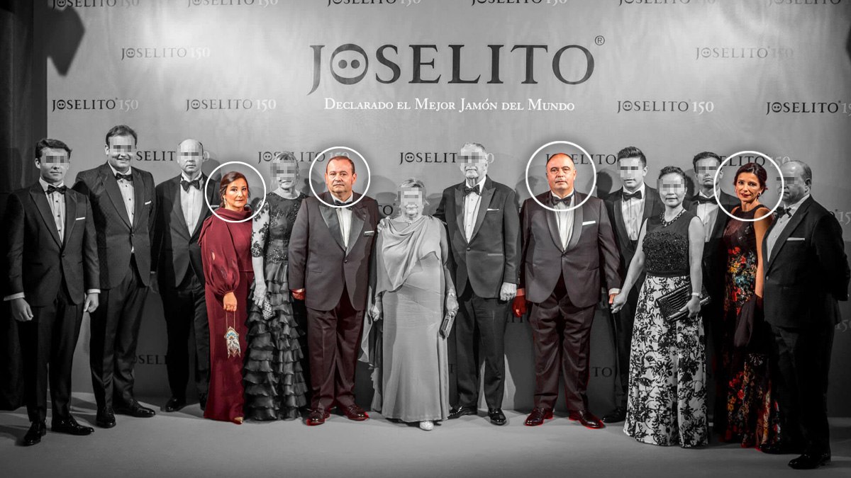 En la querella están acusados los hermanos Cristina, José, Juan Luis y María Aránzazu Gómez Martín (identificados con un círculo en la foto, por este orden).