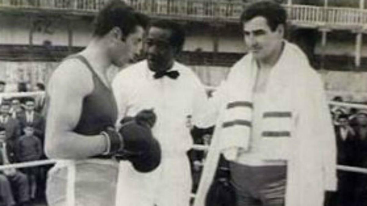 Francisco San José, durante una pelea de boxeo celebrada en la plaza de toros de Toro.