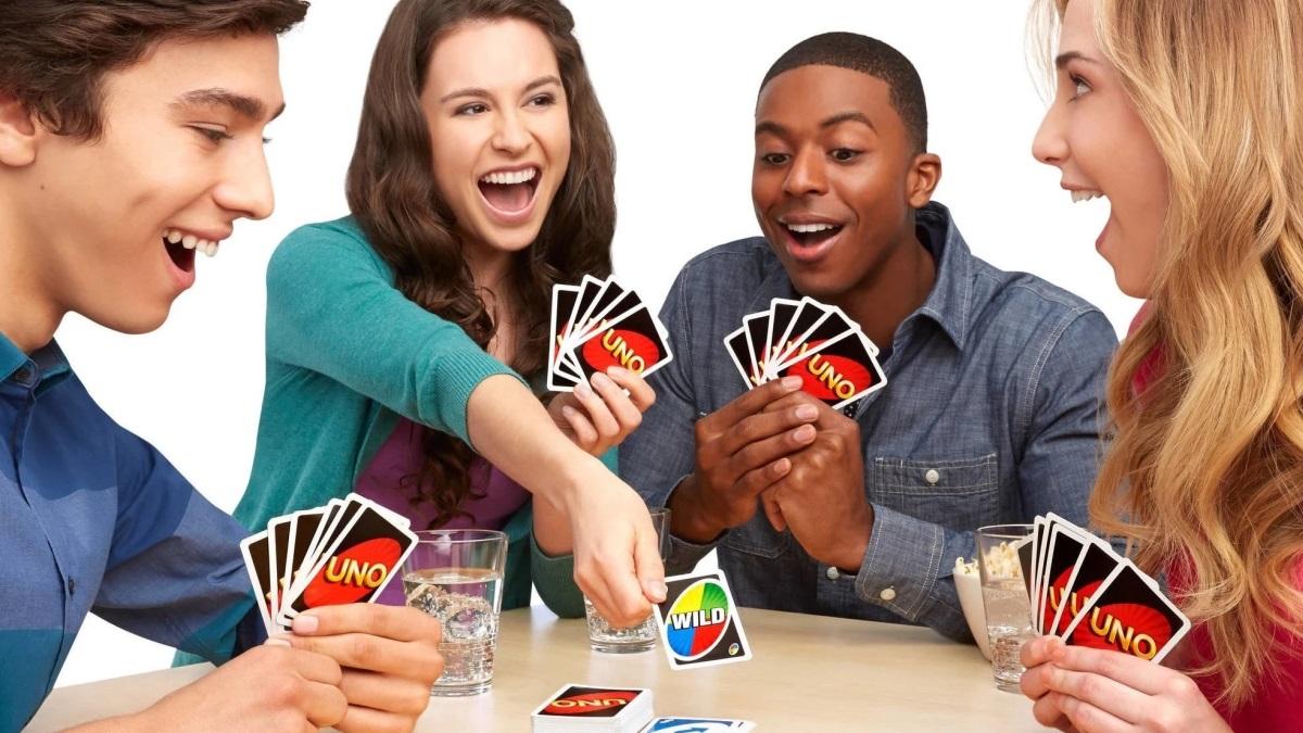El UNO es uno de los juegos más divertidos para jugar en familia o entre amigos
