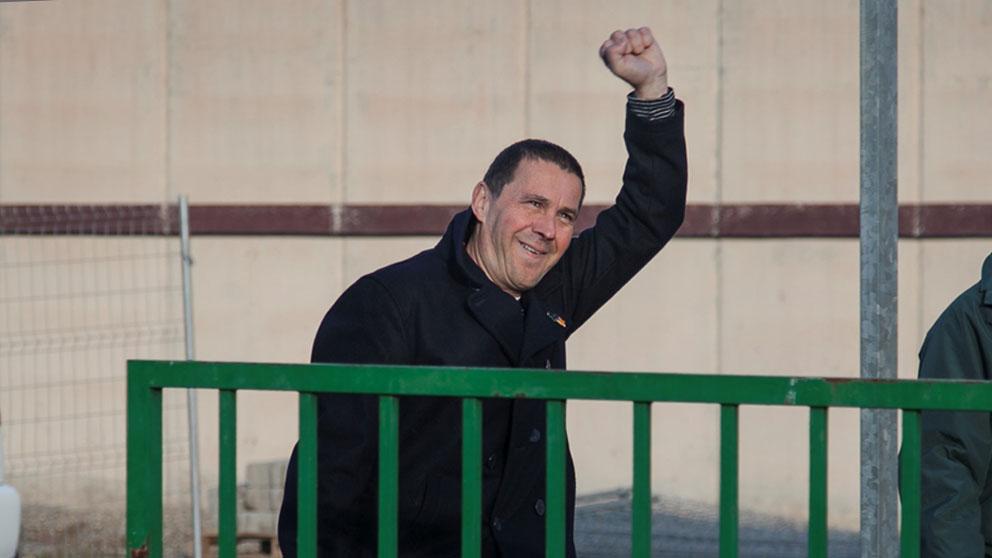 Arnaldo Otegi saliendo de prisión el 1 de marzo de 2016 (Foto: Getty).