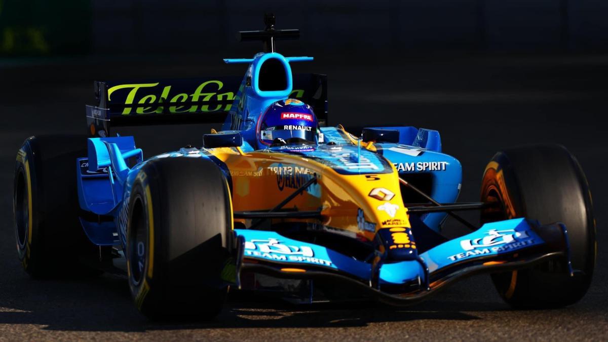 Fernando Alonso con el R25. (@alo_oficial)