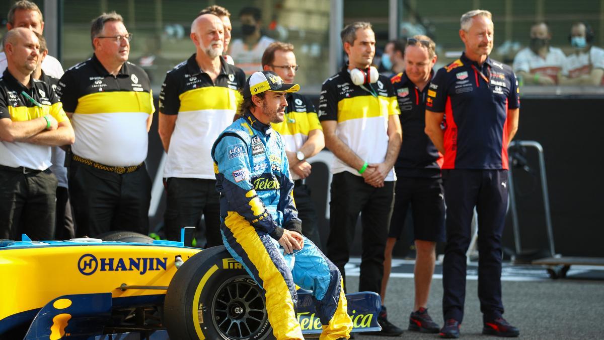 Fernando Alonso durante el test de jóvenes pilotos de Abu Dabi. (AFP)