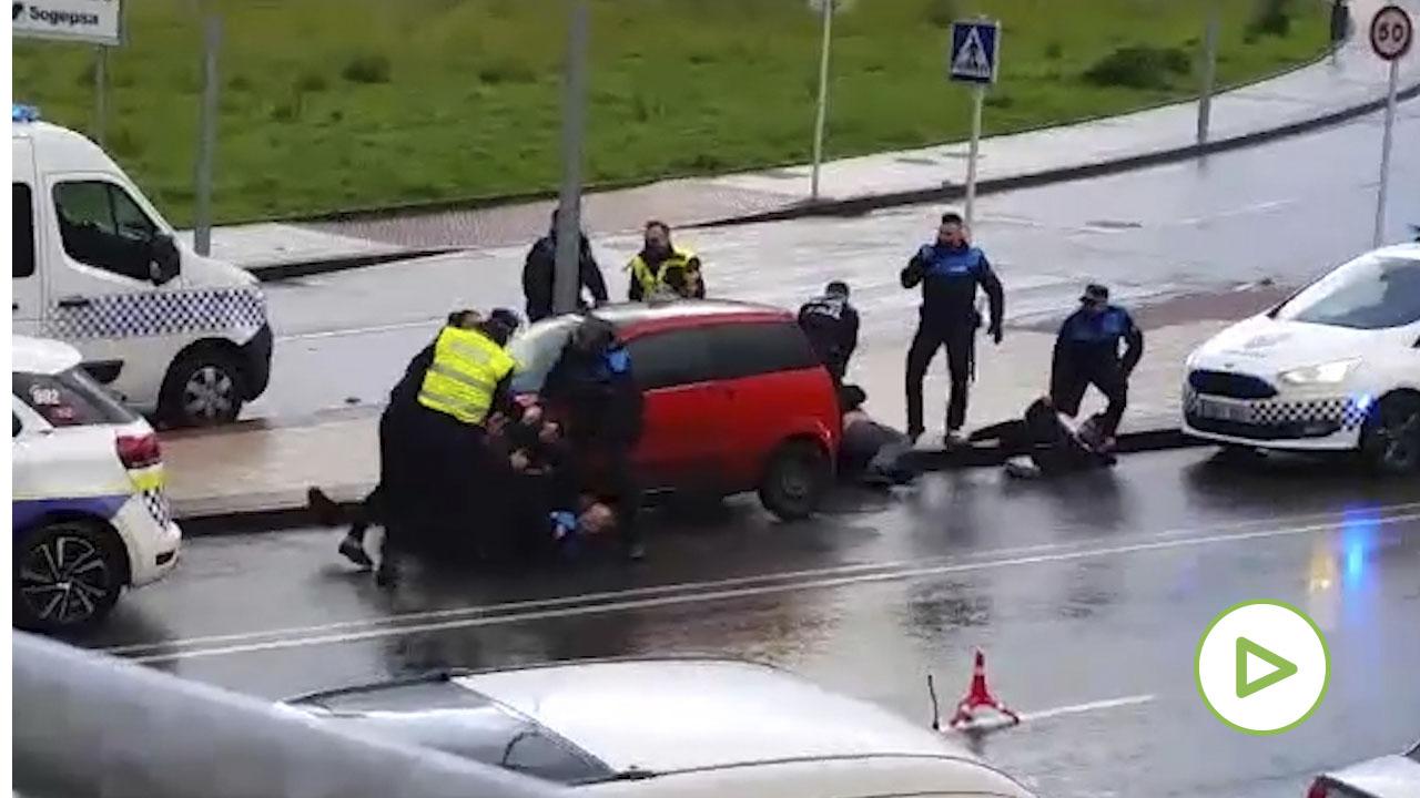 Una familia entera acaba detenida tras agredir a seis policías en Avilés.
