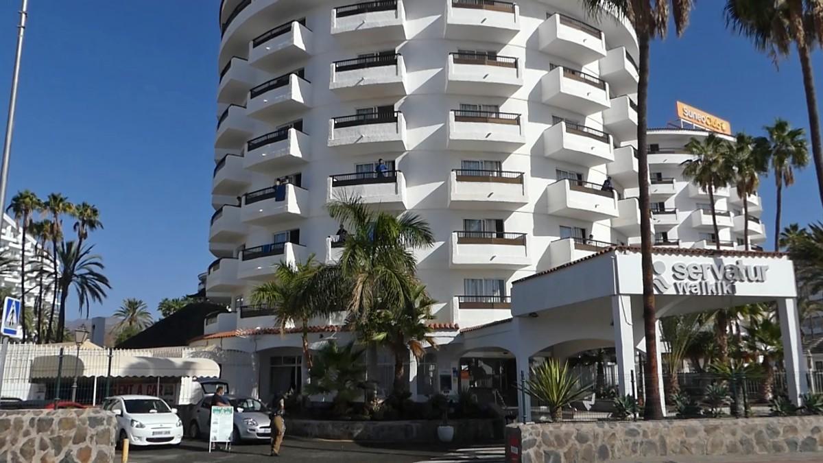 El complejo turístico Waikiki en la playa del Inglés (Gran Canaria) donde fue hallado el cadáver del inmigrante. Foto: EP