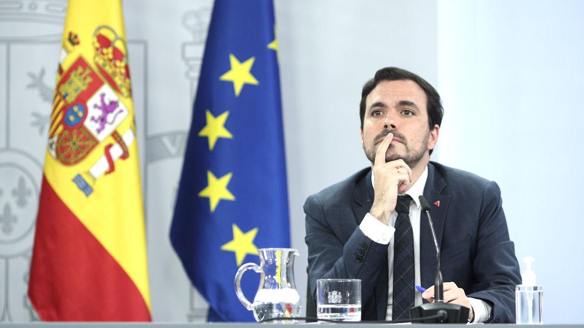 El ministro de Consumo y militante del PCE, Alberto Garzón, durante una rueda de prensa tras el Consejo de Ministros. (Foto: Europa Press)