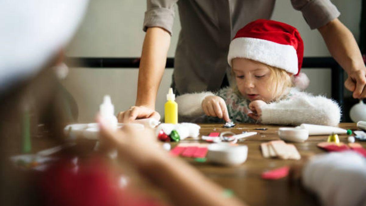 Divertidas manualidades de Navidad que podemos hacer con los niños estos días