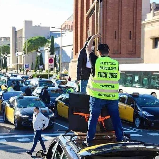 Tito Álvarez, el líder taxista que expulsó a Uber dos veces de Barcelona, ahora se abre a negociar