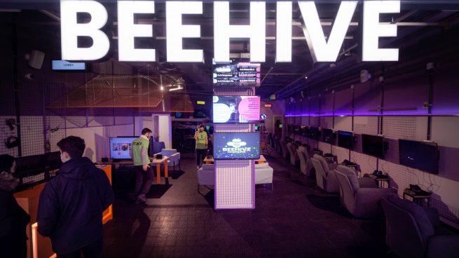 Un nuevo concepto de gaming llegará en 2021 a 20 centros comerciales de toda España gracias a Beehive