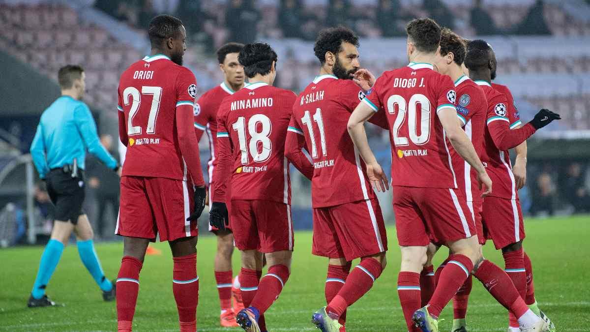 Los jugadores del Liverpool durante un partido. (AFP)