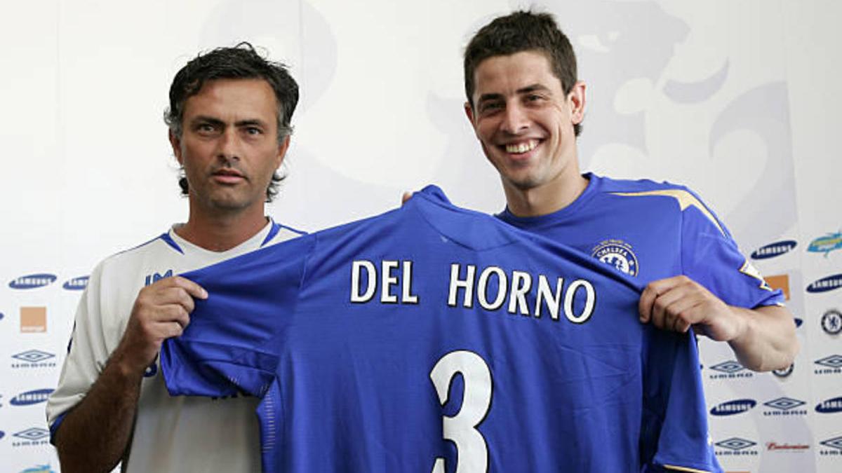 Del Horno junto a Mourinho.