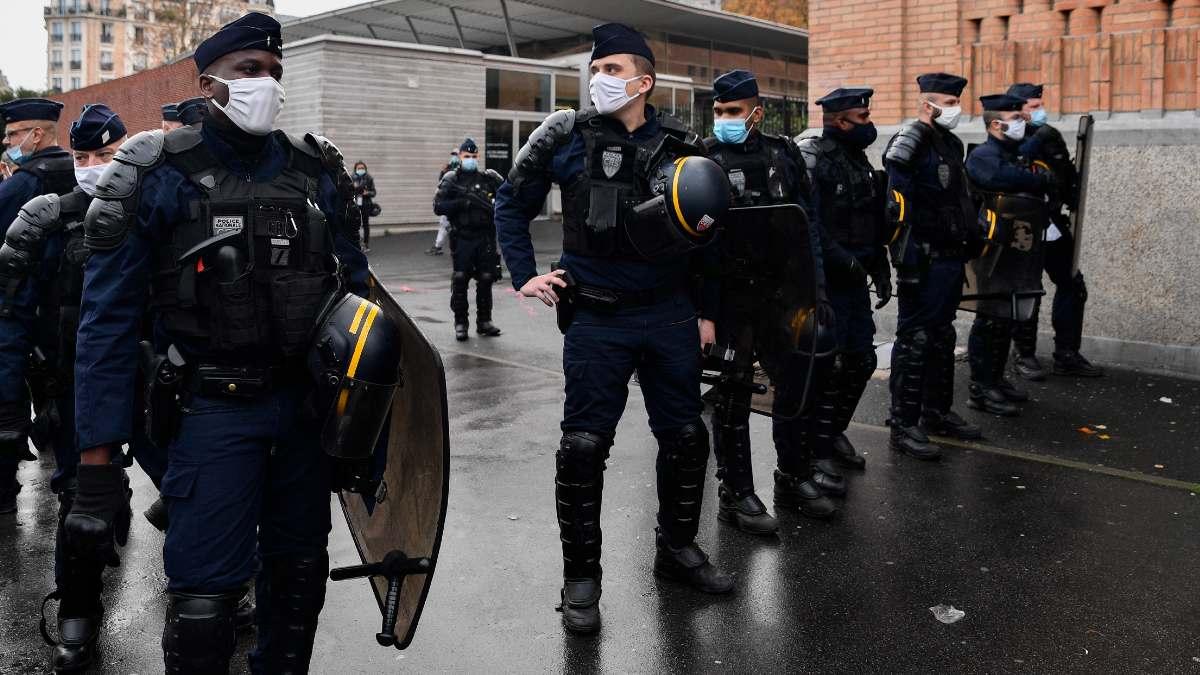 Varios agentes de la Policía francesa. Foto: EP