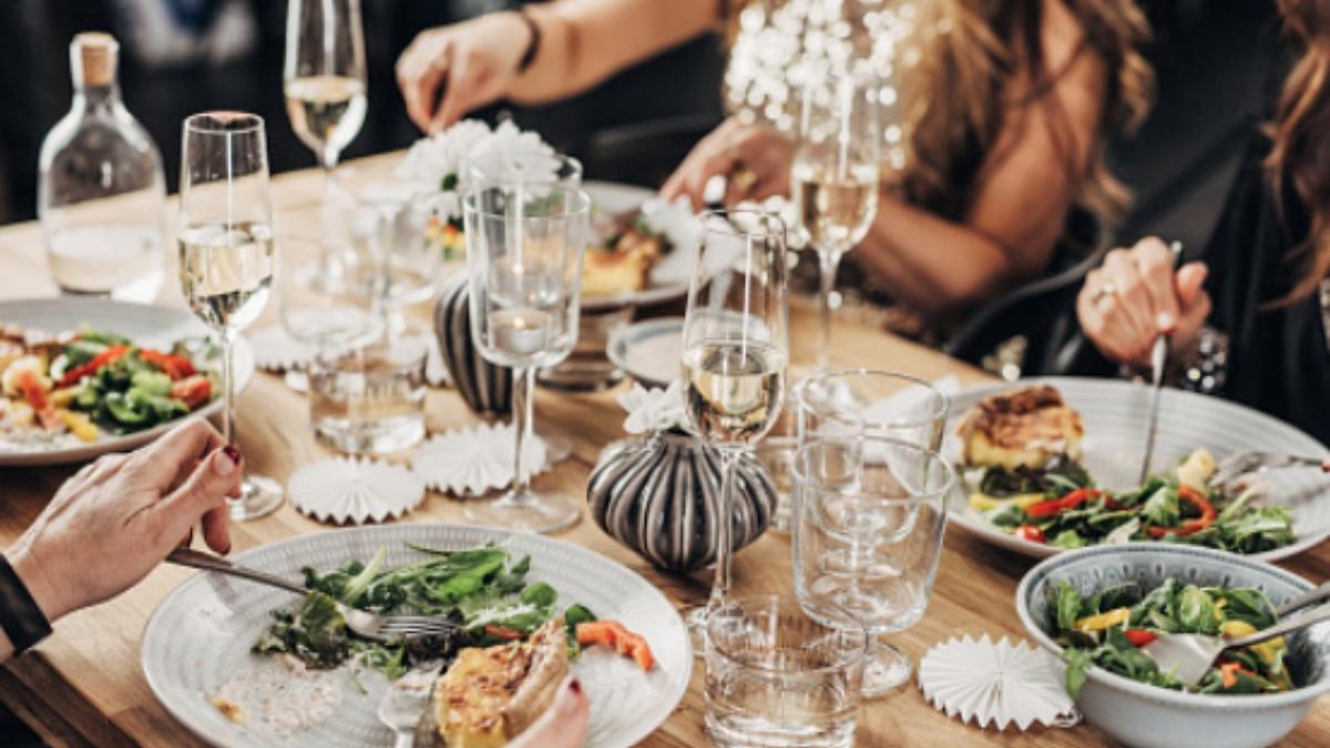¿Con cuántos familiares puedo comer en la cena de Nochevieja?