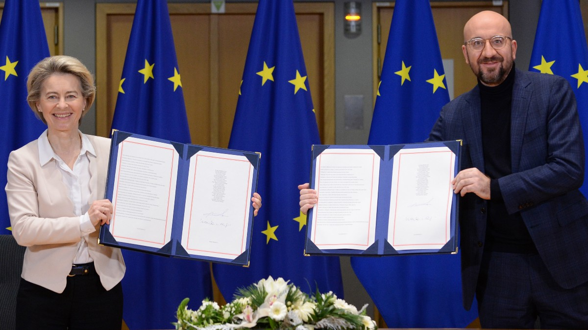 Firma acuerdo comercial