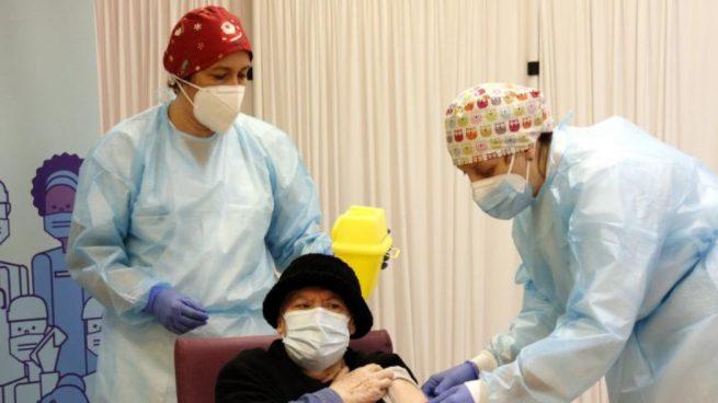 Vacunación en una residencia de ancianos.