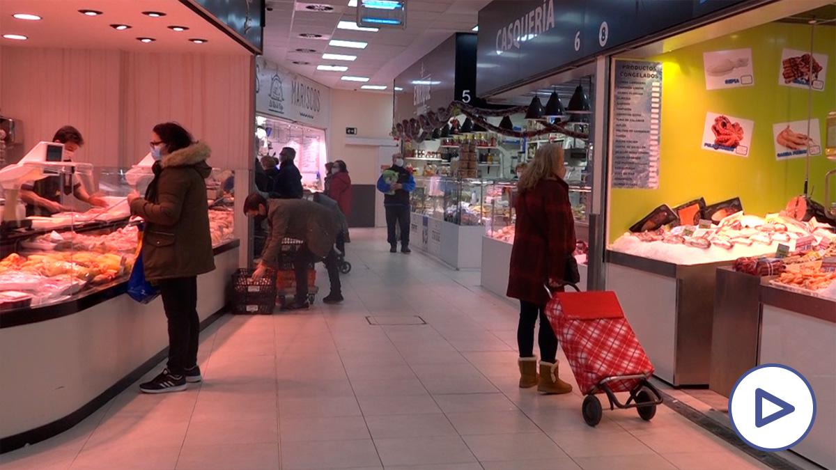Compras más pequeñas y menos gasto: así es la cesta de los españoles en Nochevieja
