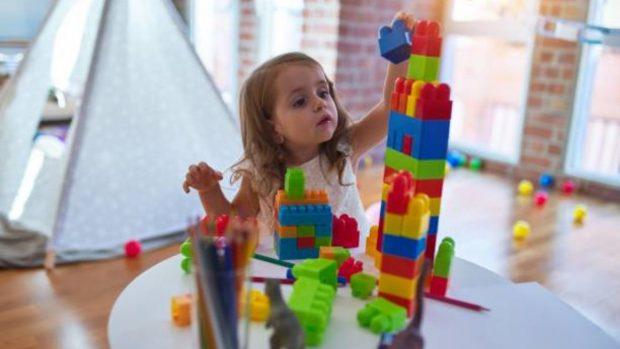 Mi hijo no juega sólo: Cómo educar la autonomía lúdica en los niños