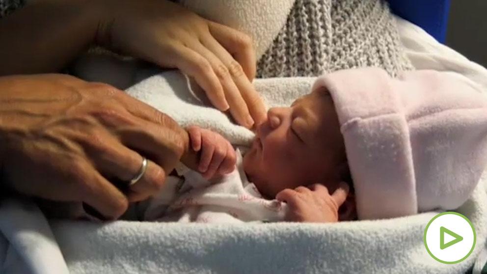 Los permisos de paternidad de 16 semanas entran en vigor.