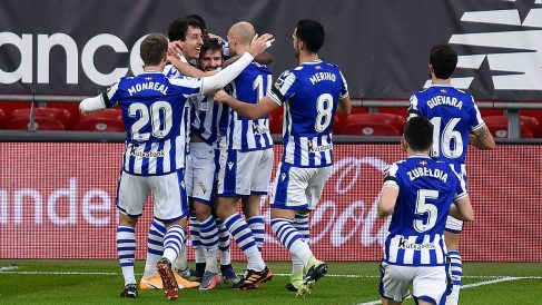 Los jugadores de la Real Sociedad celebran el gol de Portu ante el Athletic. (Getty)