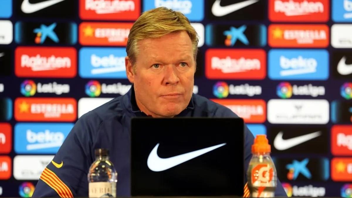 Ronald Koeman durante una rueda de prensa con el Barcelona. (fcbarcelona.cat)