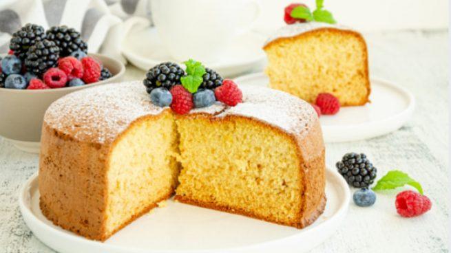 3 recetas de bizcochos ligeros sin azúcar para desayunar o merendar