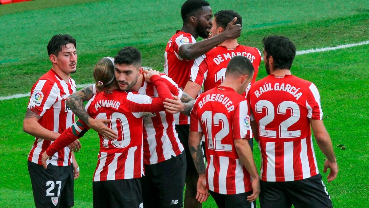 Los futbolistas del Athletic celebran un gol. (EFE)