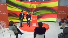 El líder del PSC, Miquel Iceta (i), junto al ministro de Sanidad, Salvador Illa (d), candidato a la Generalitat, durante el primer acto de precampaña de Illa como candidato socialista a la Presidencia de Cataluña. Foto: EFE