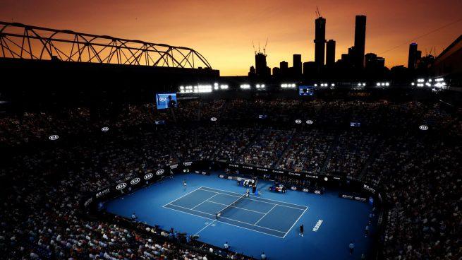 Alarma en Australia: tres positivos en dos vuelos a Melbourne dejan a casi 50 jugadores aislados