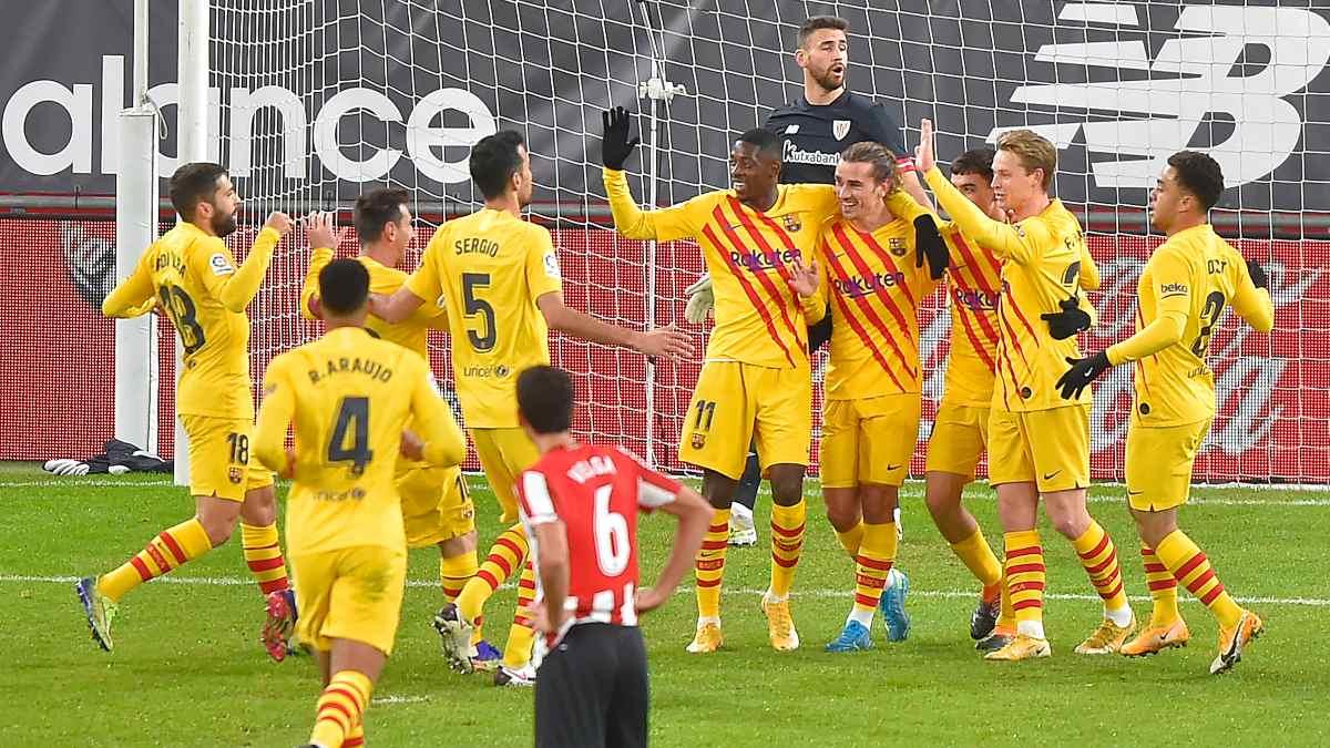 El Barcelona celebra el gol de Pedri frente al Athletic. (AFP)