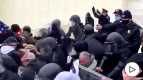 trump-capitolio-manifestantes-policia-enfrentamientos
