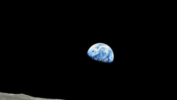 Carbono en la luna