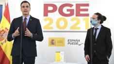 El presidente del Gobierno, Pedro Sánchez, y el vicepresidente segundo, Pablo Iglesias, durante la presentación de los Presupuestos Generales del Estado. (Foto: Europa Press)