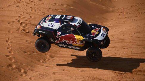 Carlos Sainz en el Dakar. (AFP)