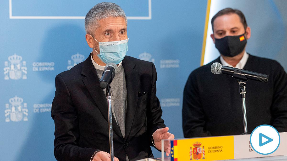 El ministro del Interior, Fernando Grande-Maslaska, en una rueda de prensa (Foto: Europa Press).