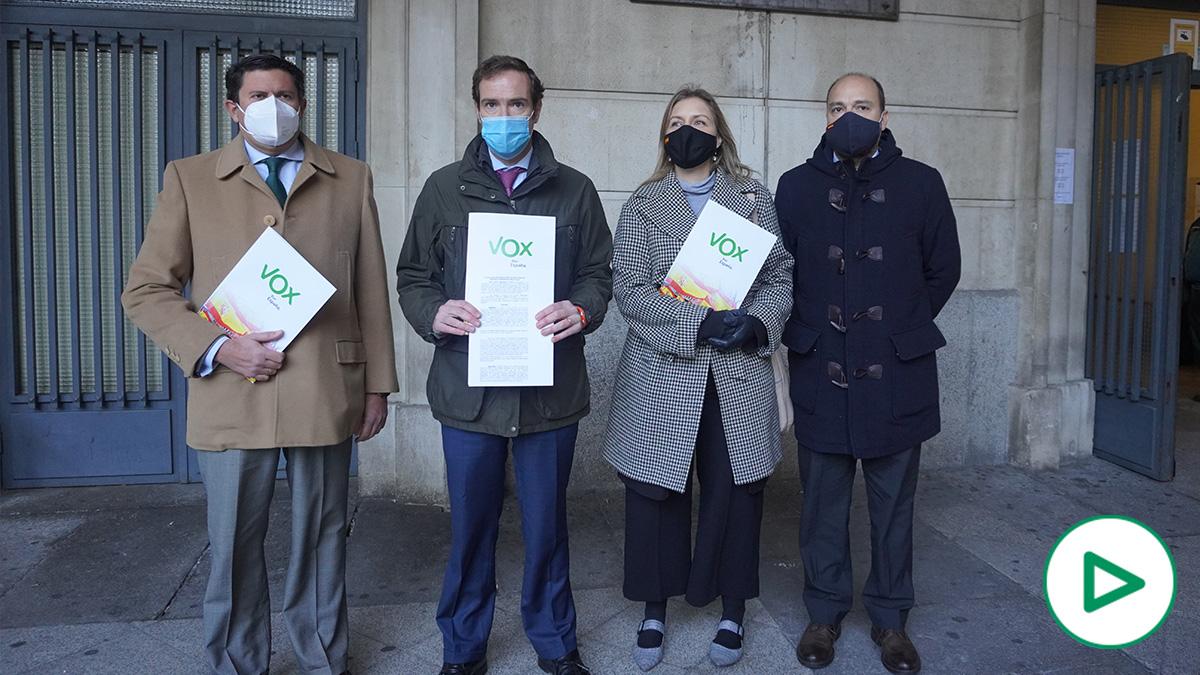 Vox Sevilla presenta una denuncia ante el teniente alcalde de la ciudad por el caso '6 de enero'.