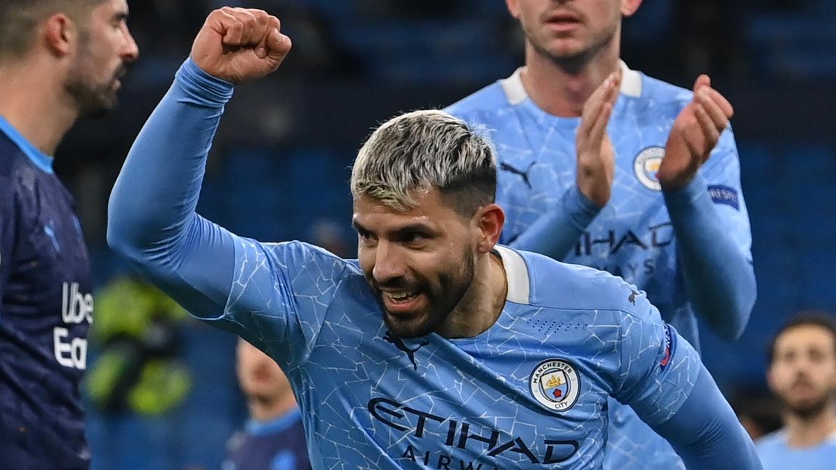 El Kun Agüero celebra uno de sus últimos goles con el Manchester City. (AFP)